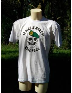 T-Shirt Le Diable marche avec nous